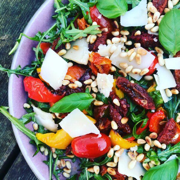 Salat med bagte peberfrugter